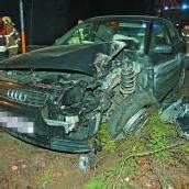 Auto zu Schrott gefahren