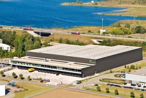 In Mäder laufen die Fäden des Unternehmens zusammen, am Standort Magdeburg (Bild) steht die Logistik im Mittelpunkt. Fa