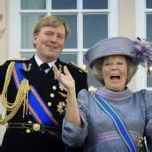 Kitschiges Königslied erntet Spott und Kritik