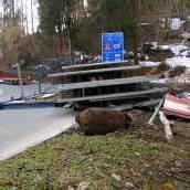 Lkw verlor 25 Tonnen schwere Betonteile