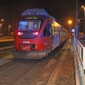 Mann urinierte auf Gleis und wurde von Zug erfasst