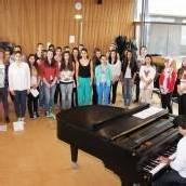 Gesang und Tanz für die Völkerverständigung