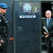 Griechischer Ex-Verteidigungsminister in Handschellen vor Gericht