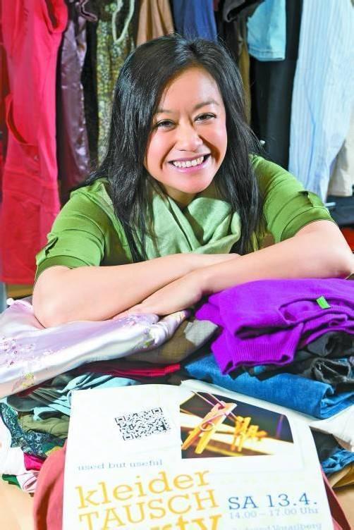 """Julia Ha ist Aktivistin bei Südwind. Am kommenden Samstag findet im Südwind-Büro die zweite """"kleiderTauschparty"""" statt. Foto: VN/STEURER"""