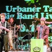 Jugendliche drehen mit Hip-Hop und Big-Band-Sound auf