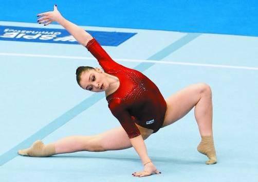 Lokalmatadorin Alija Mustafina verlängerte die seit 2009 anhaltende russische EM-Siegesserie im Vierkampf. Foto: epa