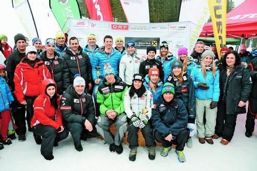 Niki Hosp, Tina Weirather, Philipp Schörghofer, Carlo Janka und Co. fuhren im Gedenken an den verunglückten Björn Sieber. Fotos: gep