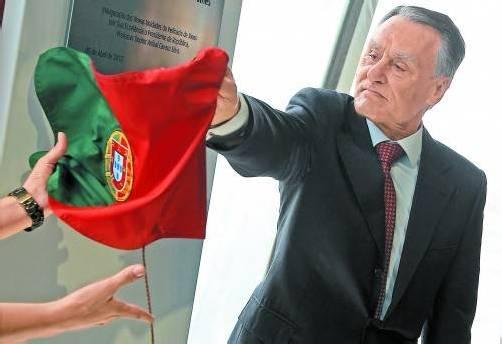 Stellt sich nach dem Urteil des Verfassungsgerichts hinter die portugiesische Regierung: Staatschef Cavaco Silva. Foto: Reuters