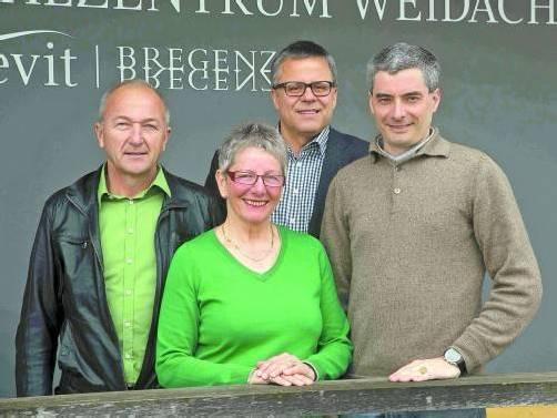 Wollen die Apothekenpläne nicht aufgeben (v. l.): Peter Girardi, Christine Oberforcher, Roland Frühstück und Paul von Aufschnaiter. Foto: VN/Paulitsch