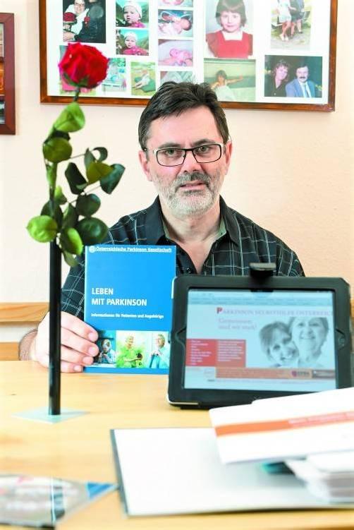 Zum heutigen Welt-Parkinson-Tag kann Helmut Schatz eine neue Informationsbroschüre für Betroffene und Angehörige präsentieren. VN/Steurer