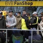 Chaotische Szenen beim Anstehen für Real-Tickets