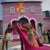 Barbiehaus: Proteste um den Traum in Pink