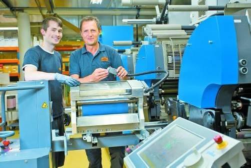 Bei Etiketten Carini in Lustenau findest du als Lehrling eine interessante Tätigkeit in einem tollen Team. Foto: VN/Steurer