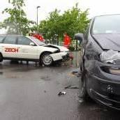 Zwei Verletzte bei Unfall auf der Kreuzung