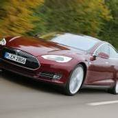 Dritter Tesla in Brand geraten