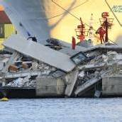 Schiff rammt Tower in Genua: Sieben Tote