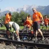 Während andere schlafen, wird an Gleisen gearbeitet