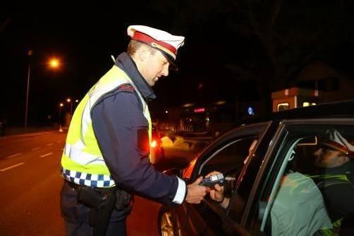 Polizei Alkohol Kontrollen Pfingstverkehr;