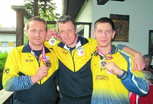 Die neuen ÖBV-Titelträger im Dreier (v. l.): Sinisa Stefanac, Markus Ill und Simon Klaus vom BC Hard. Foto: Privat