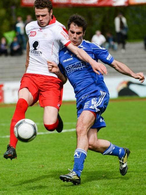 Dornbirn-Angreifer Deniz Mujic (links) vergab im Derby gegen Andelsbuch mehrere gute Torchancen. Foto: vn-lerch