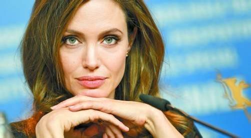 befc160bee71d5 Angelina Jolie  Mutiger Schritt und noch mutigeres Geständnis eines  Hollywood-Stars.