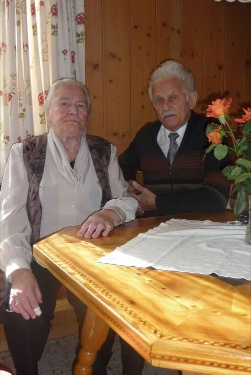 Gemeinsam genießen Anton und Mathilde ihren Lebensherbst.