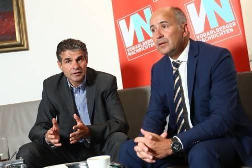 Generali-Vorstand Harald Steirer (l.) und Regionaldirektor Arno Schuchter bei den VN zu Gast. Foto: hartinger