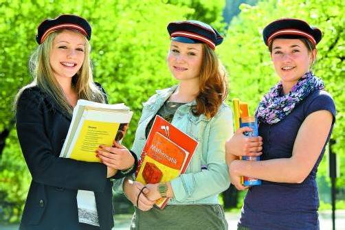 Matura 2013: Auch für Lisa, Johanna und Lisa vom BG Feldkirch-Rebberggasse beginnt jetzt der schulische Endspurt. Foto: vn/hofmeister