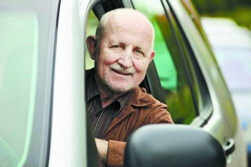 Neue Studie: Ab 75 Jahren steigt bei Senioren das Unfallrisiko pro gefahrenem Kilometer deutlich.
