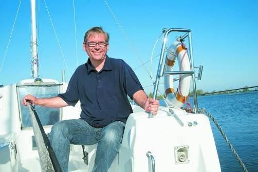 Thomas Garnitschnig betreibt seit 1997 die Segel- und Motorbootschule in Hard. Foto: vn/paulitsch
