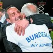 Meister-Trainer Adi Hütter erklärt sein Grödig /C1