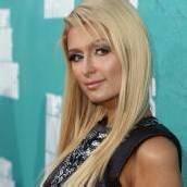 Paris Hilton unterzeichnet Plattenvertrag