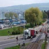 Zug prallte gegen Lastwagen