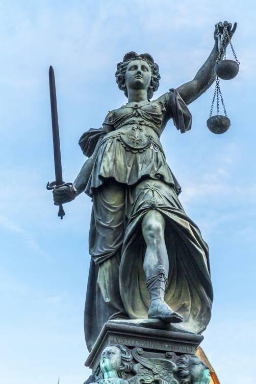 Das Privatinsolvenzrecht verschaffte Justitia seit einem Jahr mehr Arbeit.