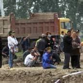 Mehr als 100 Tote bei Feuer in Geflügelfabrik