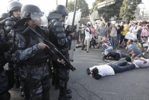 Brasiliens Polizei setzte Gummigeschosse ein. Fotos: ap