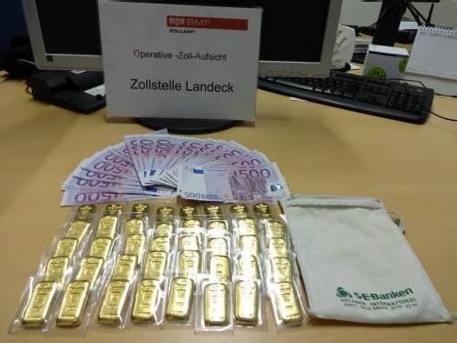 Das polnische Ehepaar versteckte Gold und Bargeld. Foto: bmf