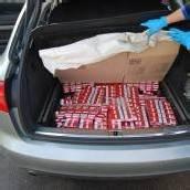 Mit 21.000 Zigaretten im Kofferraum erwischt
