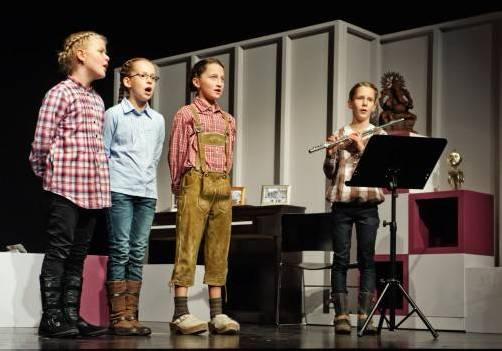 Die Kinder der Volksschule Bizau präsentieren am 21. Juni Texte von Gebhard Wölfle foto: frederike aiello