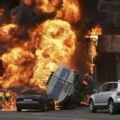 Großbrand nach Explosion von Tanklaster