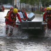 23.000 Magdeburger evakuiert Anschlagsdrohung gegen Dämme /D6
