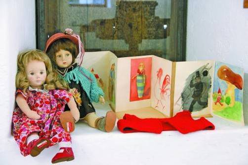 May-Britt Nyberg Chromy nähert sich anhand ihrer Sammlung an die Biografie ihrer Großmutter an. Foto: A. Grabher