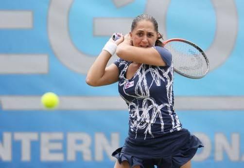 Musste bei ihrer Titelverteidigung in Eastbourne in Runde zwei wegen einer Oberschenkelverletzung aufgeben: Tamira Paszek. Foto: ap