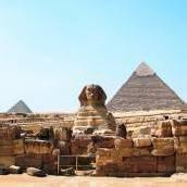Kairo und die berühmten Pyramiden von Gizeh