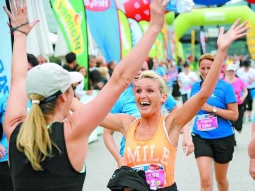 So viel Spaß kann Sport machen: Auch beim heurigen Frauenlauf wird es wieder viele lachende Gesichter geben. Foto: VN/Lerch