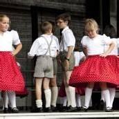 150 Trachtenkinder tanzen in Lustenau
