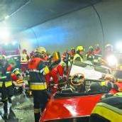 Pfändertunnel: Seniorin rast in den Gegenverkehr