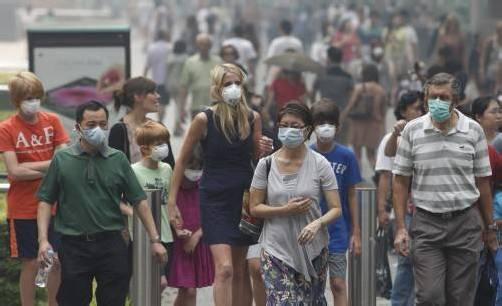 Waldbrände im Nachbarland Indonesien sind die Ursache für die massive Luftverschmutzung. Foto: reuters