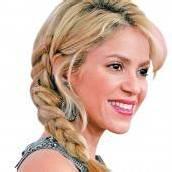 Shakira stillt für ihr Leben gern