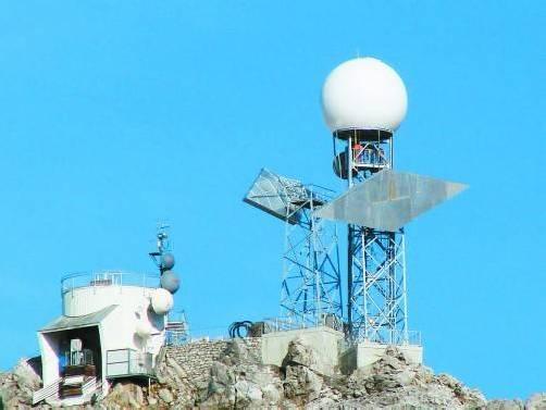 """Das """"Pannen-Radar"""" auf der Valluga hat während des Hochwassers erneut den Dienst versagt. Foto: vn"""